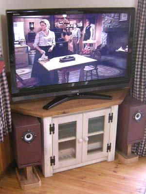リトルパインのオーダーテレビボード