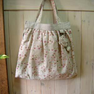 Flower_motif_bag