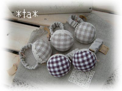 Ta503handpincushion