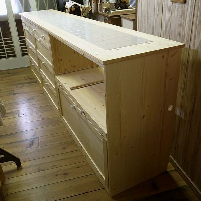 リトルパインの手作り家具 タイルトップカウンター