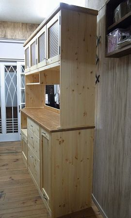 リトルパインのオーダー家具 ガラスカップボード